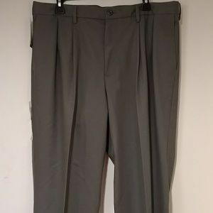 Other - Men's Docker's Signature Khaki Pleated Pant (Grey)